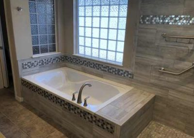bathroom-tile-shower-tub-25
